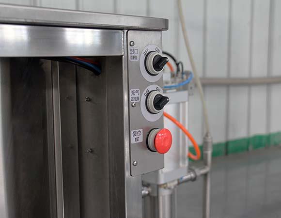 semi automatic body deo spray filling machine